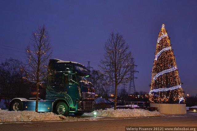 Новогодние обои от Volvo
