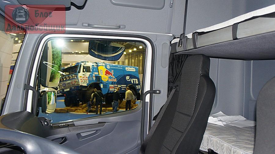 Новый КАМАЗ М1842 кабина