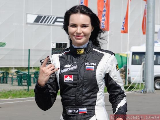devushka_i_gruzovik