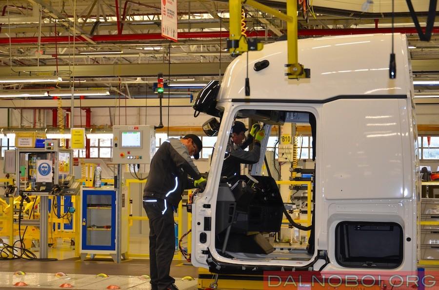 Производство грузовиков полной массой более 16 тонн 2013 02