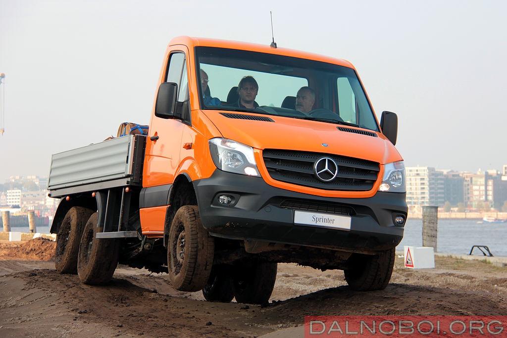 Mercedes-Benz_Sprinter_6x6_Oberaigner_008