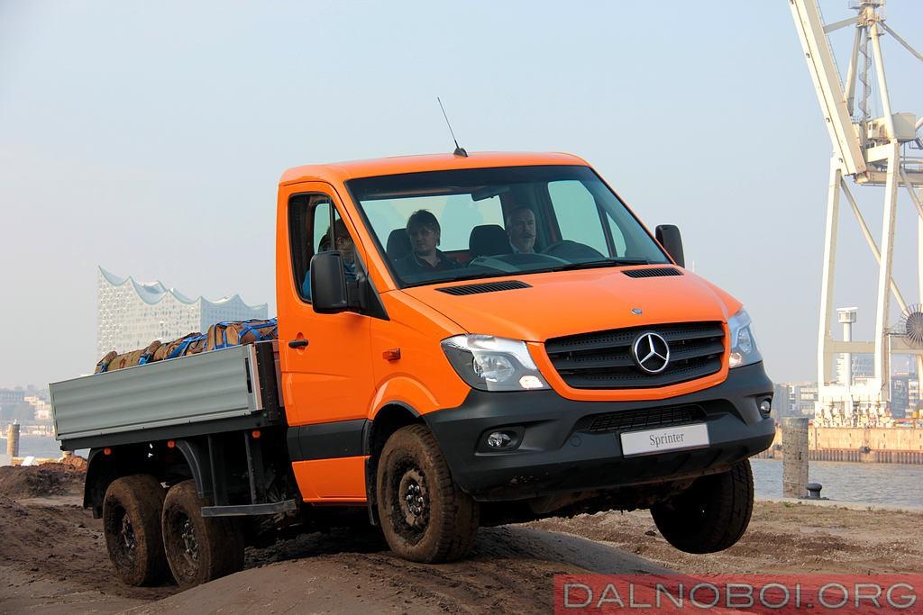 Mercedes-Benz_Sprinter_6x6_Oberaigner_010