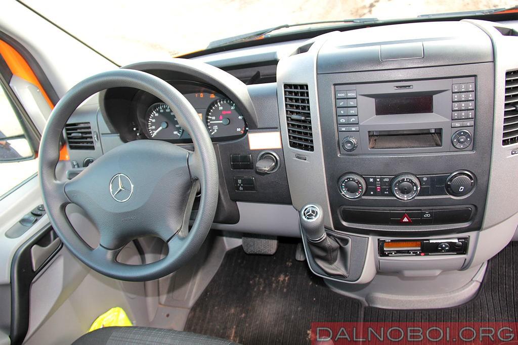Mercedes-Benz_Sprinter_6x6_Oberaigner_021
