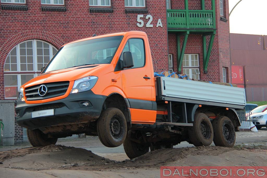 Mercedes-Benz_Sprinter_6x6_Oberaigner_024
