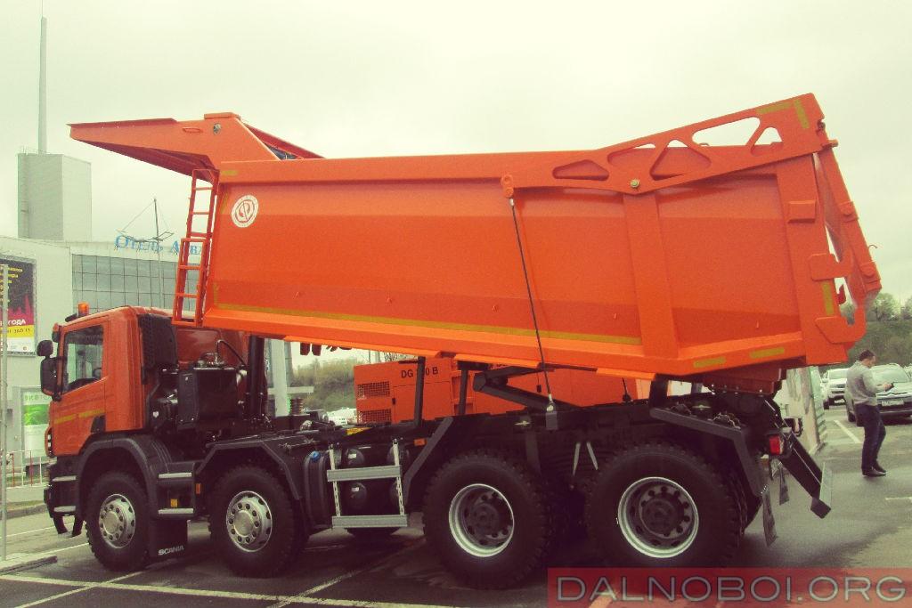 Scania_P440_CB8X4EHZ_кузов_для_скальных_пород_001