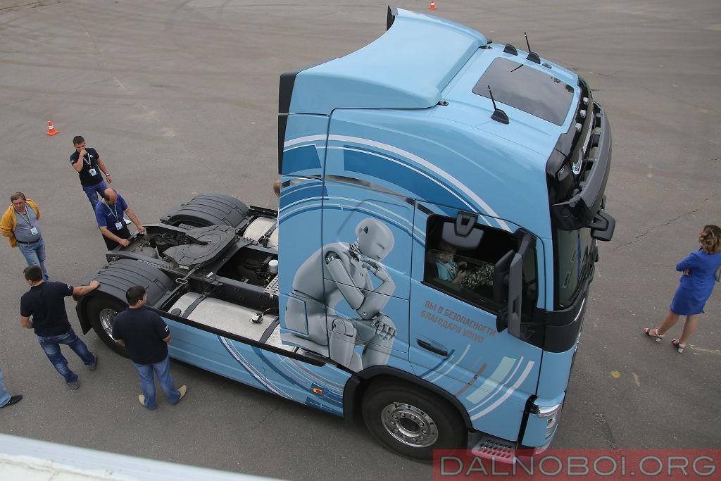 voditel_goda_2016_volvo_trucks_001