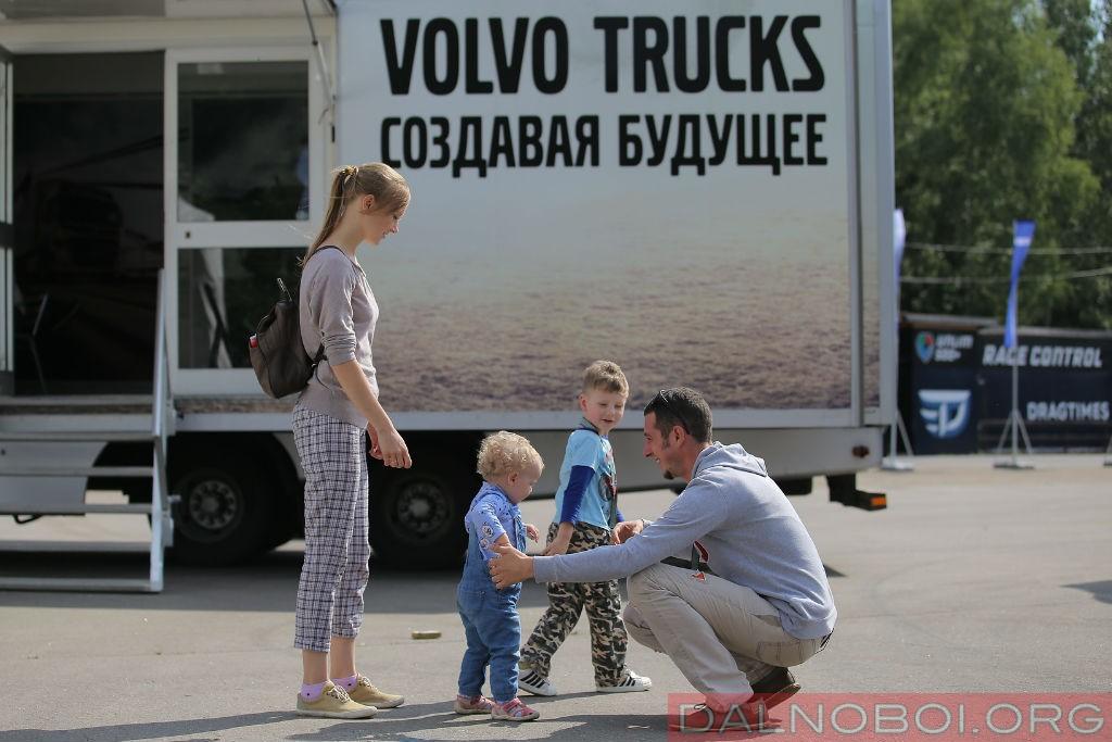 voditel_goda_2016_volvo_trucks_004