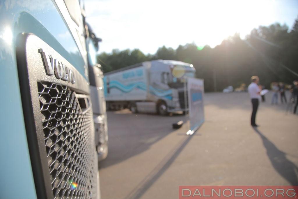 voditel_goda_2016_volvo_trucks_016