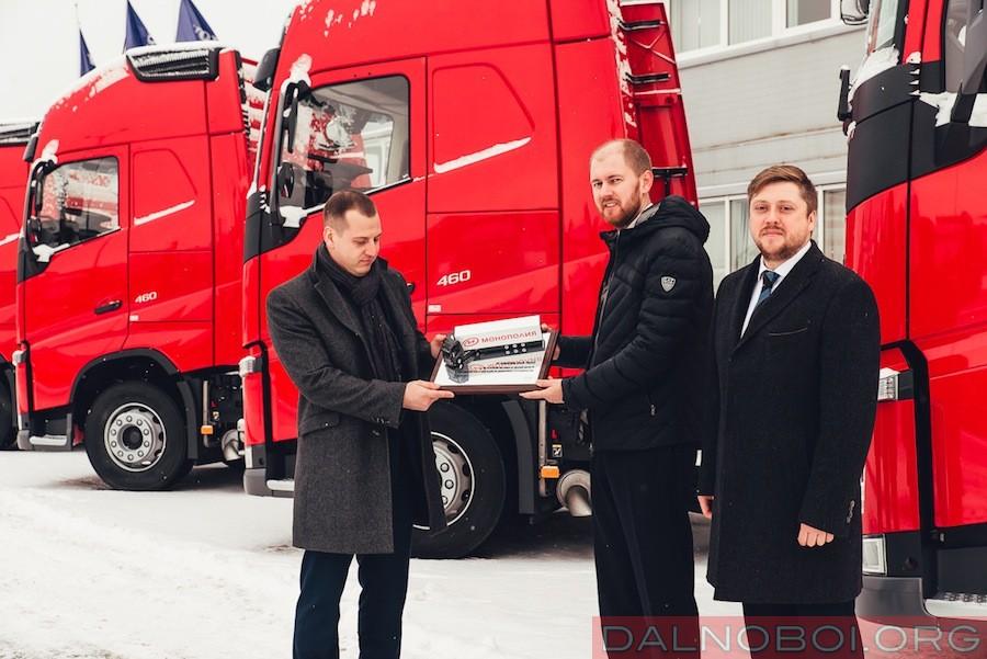 monopoliya-vybiraet-volvo-trucks_01