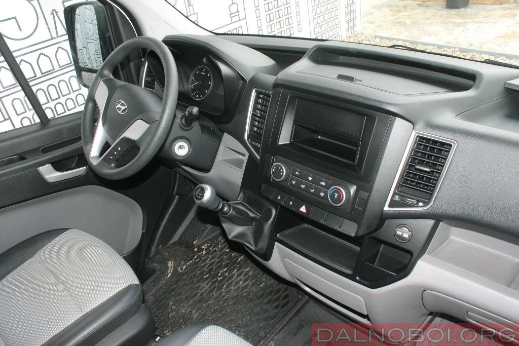 Hyundai-H350_004