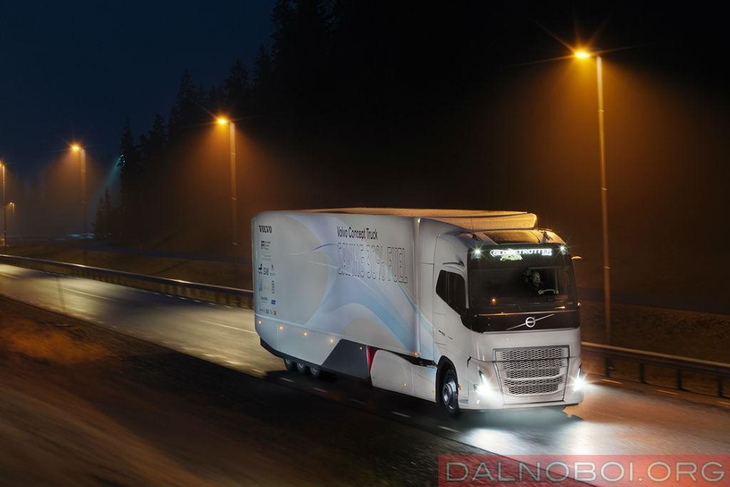 koncept_trak_volvo_trucks_s_gibridnoj_silovoj_ustanovkoj_005