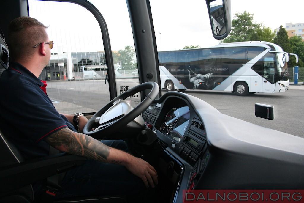 avtobusy-man-i-neoplan_004