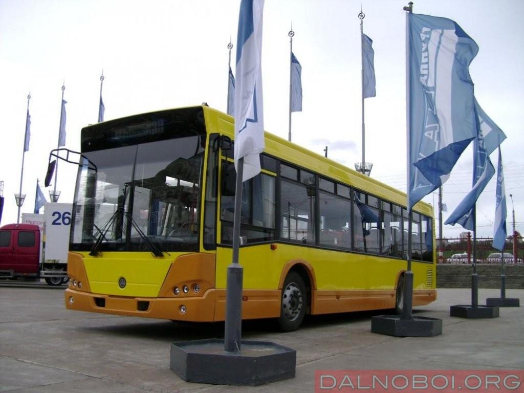 В 2008 году КАвЗ уже осуществлял попытку создать городской полунизкопольный автобус среднего класса 4239 на китайской агрегатной базе JAC, но попытка не увенчалась успехом