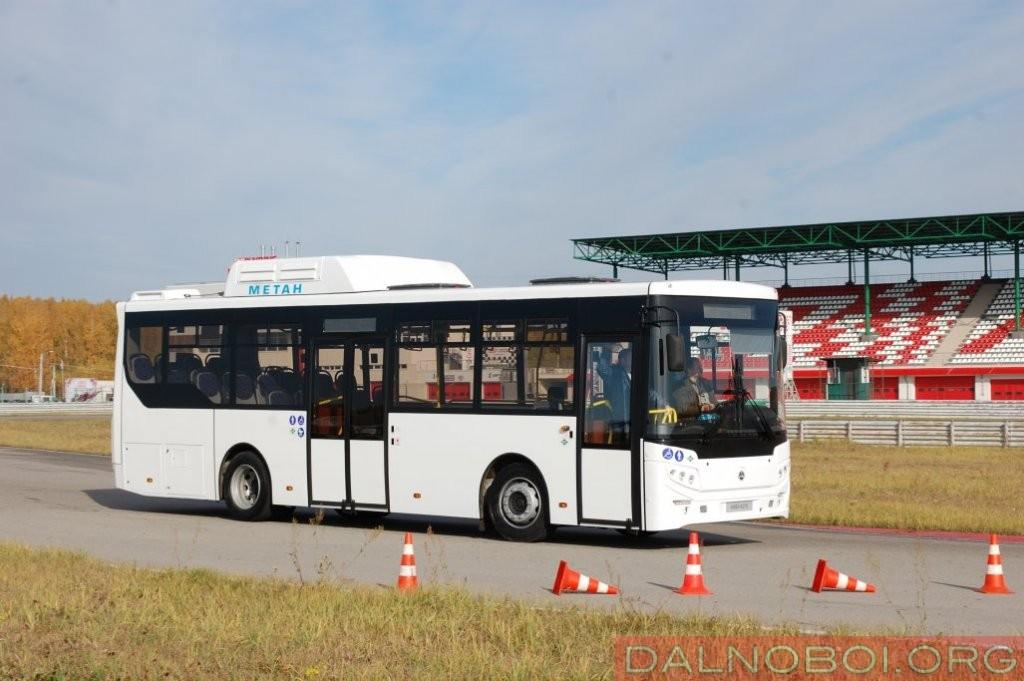 И вот, в 2017 году курганские автобусостроители представляют аналогичный по компоновке автобус, но уже оригинальной конструкции КАвЗ-4270 с газовым двигателем Cummins