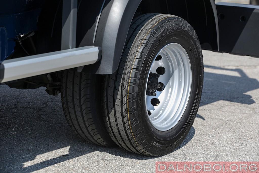 Для машин с приводом на заднюю ось доступна блокировка межколесного дифференциала.