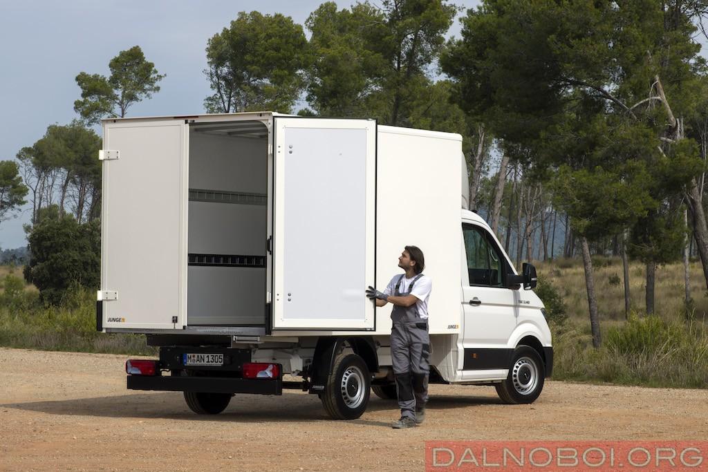 Промтоварный фургон отлично приспособлен к городским перевозкам.
