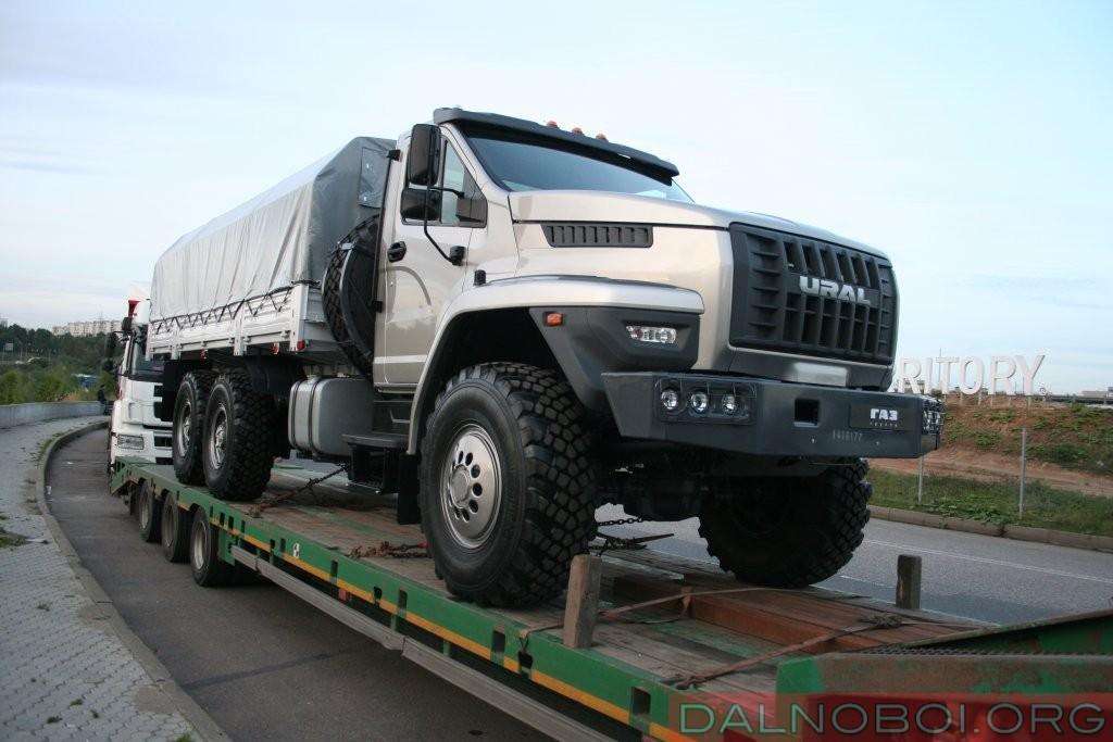 Перспективный товар для экспорта: праворульный грузовик из Миасса