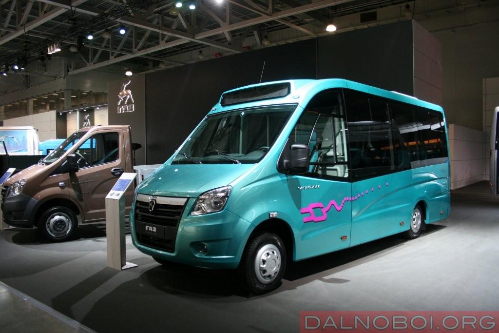ГАЗ-А68R5Е представляет собой электробус с агрегатной базой «ГАЗель NEXT» вместимостью 16-22 пассажира