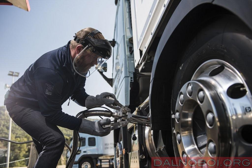 Volvo-Trucks-LNG-4_1024x683