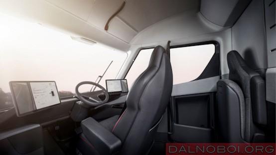 Tesla кабина