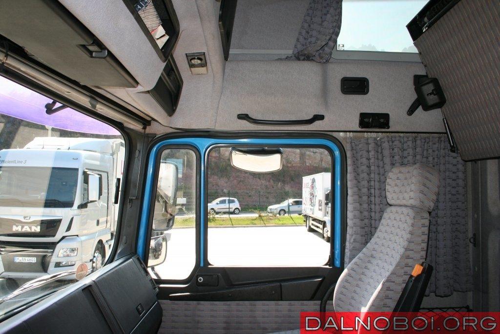 Пассажирское место тоже можно назвать местом повышенного комфорта, причем безо всякой натяжки.