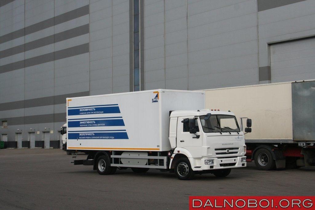 КАМАЗ-4308 (4х2) полной массой 11,9 т обеспечивает перевозку грузов без оплаты по системе «Платон».