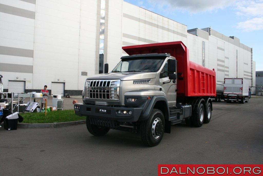 «Урал NEXT» (6х4): 25-тонный самосвал.
