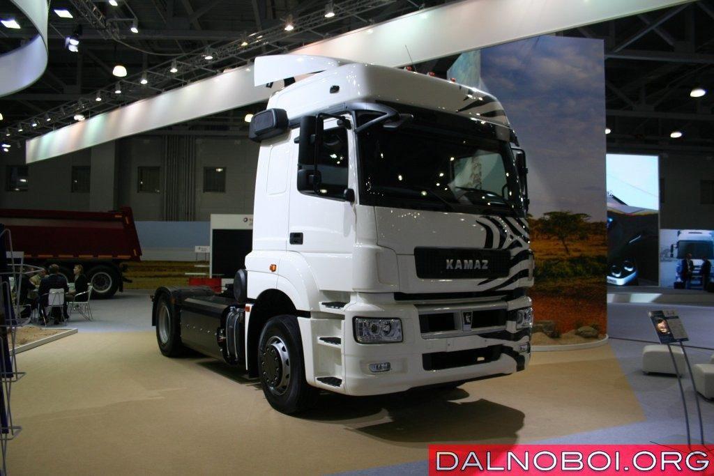 КАМАЗ-5490-S5 NEO (4х2) с газодизельной системой питания.