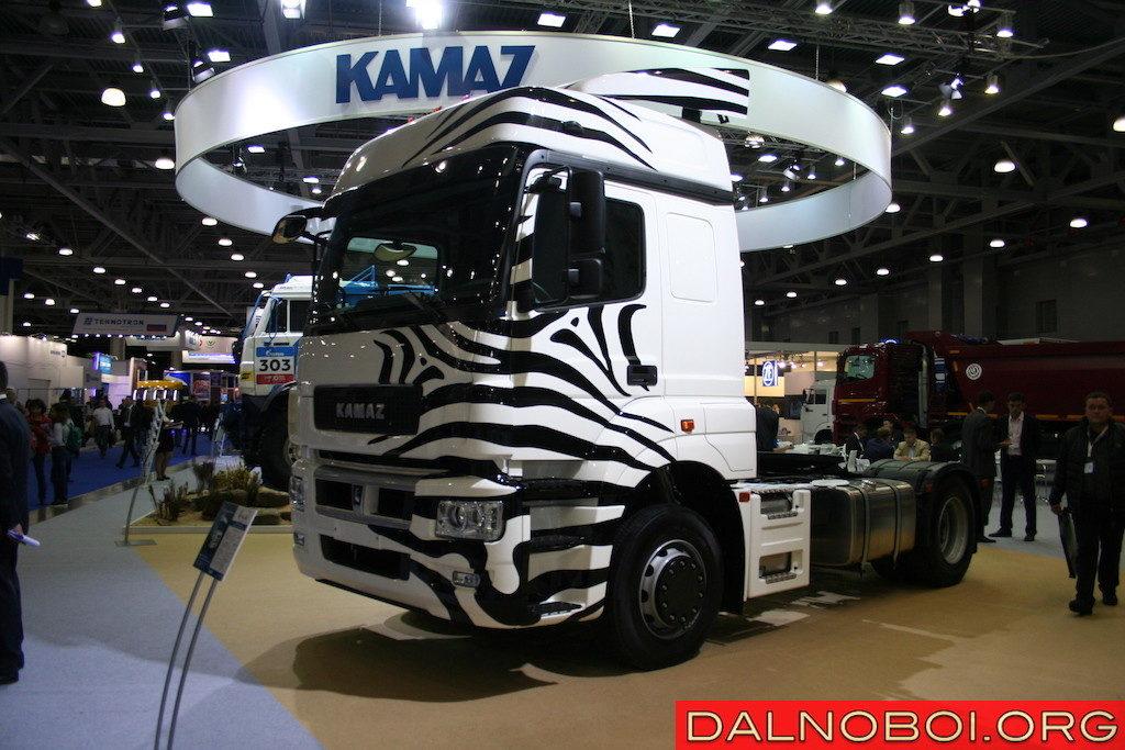 Седельный тягач КАМАЗ-5490 NEO (5490-891-S5) с газодизельной системой питания и двигателем Mercedes-Benz OM 457 LAV/3 Евро-5