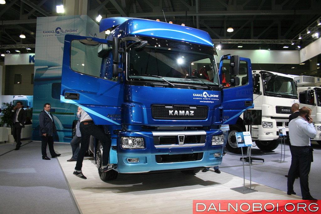 Седельный тягач КАМАЗ-65209-S5 (6х2) Евро-5 с задней подъемной осью с автоматическим управлением